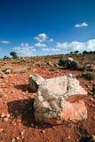 Aménagez en parc avec les roches rouges sur l'île Crète Image libre de droits