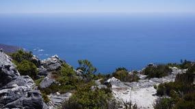 Aménagez en parc, vue de l'Océan Atlantique de la montagne Images stock