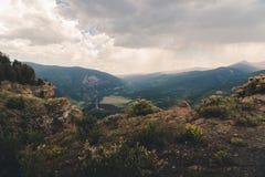 Aménagez la vue en parc d'une ville dans le Colorado pendant l'été photographie stock libre de droits