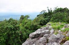 Aménagez la vue en parc sur le phitsanulok de kla de rong de hin de phu de montagne Photographie stock