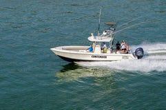 América Central, navigação do barco de prazer no canal do Panamá fotografia de stock