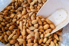 Amêndoas deliciosas. matéria prima do alimento. Foto de Stock