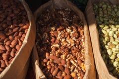 Amêndoas fritadas com açúcar e canela Doçura escandinava imagens de stock royalty free