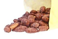 Amêndoas roasted frescas (com trajeto de grampeamento) Foto de Stock