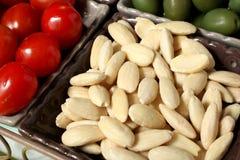 Amêndoas, tomates, azeitonas Imagem de Stock Royalty Free