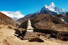Ama Dablam珠穆琅玛Lhotse和顶层  库存照片