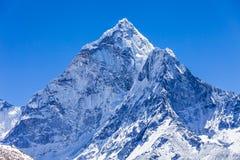 Ama Dablam, Гималаи стоковая фотография rf