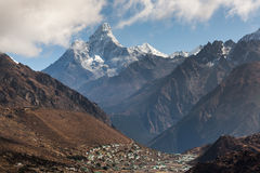 Ama Dablam góra w Sagarmatha parku narodowym Zdjęcie Stock
