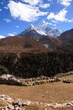 Ama Dablam in het Himalayagebergte Stock Fotografie
