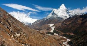 Ama Dablam, Lhotse, Nuptse and top of Mount Everest Royalty Free Stock Image