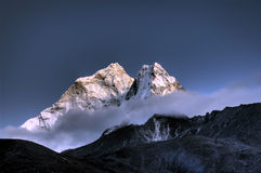 Ama Dablam. montaña en el Himalaya, Nepal imagen de archivo
