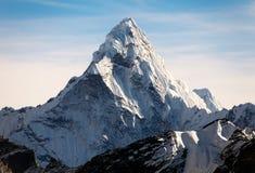 Ama Dablam na sposobie Everest Podstawowy obóz Zdjęcie Stock