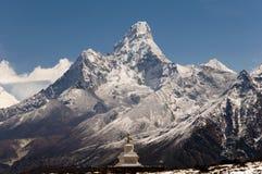 amadablam nepal Arkivbilder