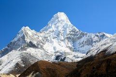 Amadablam peak from everest trek route Stock Photography