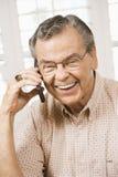 Amadureça o homem no telemóvel. Fotografia de Stock Royalty Free