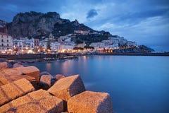 Amalfi en la oscuridad fotos de archivo