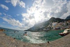 Amalfi, ITALIË - JUNI 01: Amalfi Haven in Amalfi, Italië op 01 Juni, 2016 Stock Foto's
