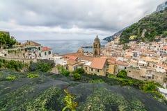 Amalfi Italien - Juni 11: Amalfi kust på Juni 11, 2016 i Amalfi Royaltyfria Foton