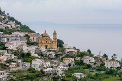 Amalfi Italien - Juni 12: Amalfi kust på Juni 12, 2016 i Amalfi Arkivfoto