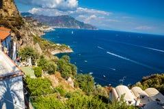 Amalfi kust - Campaniaregion, Italien Arkivfoto
