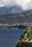 Amalfi kust på Sorrento, Italien Arkivfoton