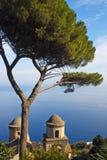 amalfi kust- sikt arkivfoton
