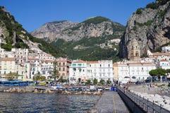 Amalfi, la ciudad hermosa Imagenes de archivo