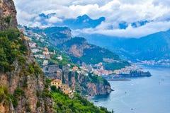 Amalfi stad, Amalfi kust, Italien Arkivbild