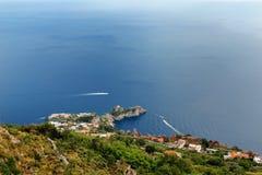 Amalfi Sunie, Włochy - panoramiczny widok Conca dei Marini od Agerola Fotografia Stock