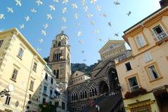 Amalfi vierkant van de Kathedraal Stock Afbeeldingen