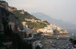 Amalfi in zuidelijk Italië stock afbeelding