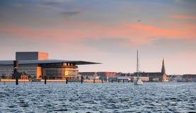 Amaliehaven y teatro de la ópera en Copenhague Foto de archivo
