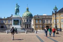 Amalienborg,弗雷德里克` s教会,叫作大理石教会和基督徒VII ` s宫殿 免版税库存照片