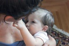 Amamentação do bebê Foto de Stock