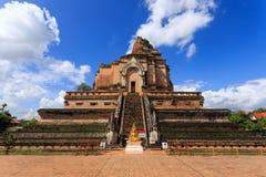 Łamana ceglana pagoda z niebieskim niebem Fotografia Royalty Free