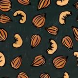 Amande et noix de cajou sans couture sur un fond noir de tableau Illustration réaliste de vecteur d'isolement tirée par la main Photo libre de droits