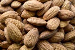 Amande sans coquille Écrous organiques frais crus Nourriture saine sur le marché d'agriculteur image libre de droits