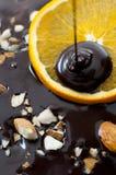 Amandel en Oranje Chocolade Stock Afbeeldingen