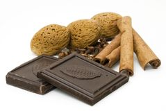 Amandes, chocolat et cannelle Images stock