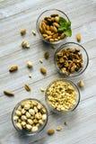 Amandes de pistaches de pignons de noix de Whole Foods d'assortiment d'écrou Photographie stock