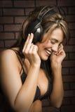 Amando a música.   Foto de Stock Royalty Free