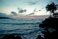 Amanecer del paisaje marino de Oahu Imagen de archivo libre de regalías