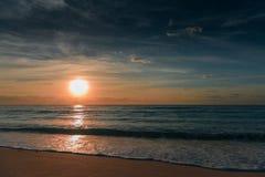 Amanecer en el mar del Caribe Foto de archivo