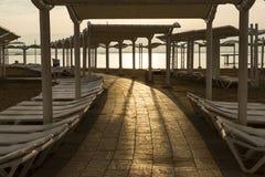 Amanecer en el mar muerto fotografía de archivo