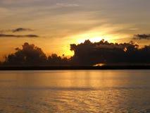 Amanecer en la bahía de todos los santos foto de archivo