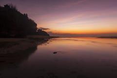 Amanecer en la playa en Bali, Indonesia Fotos de archivo libres de regalías