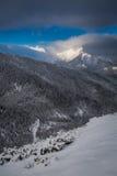 Amanecer frío en las montañas de Tatra Fotografía de archivo