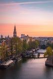Amanecer holandés en Amsterdam fotos de archivo