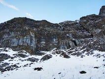 Amanecer y oscuridad bajo top de Santis y del macizo Alpstein de la montaña imágenes de archivo libres de regalías