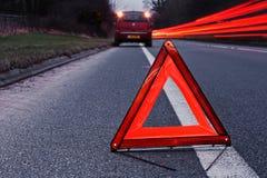 Łamanego puszka pojazdu ruchliwie autostrada Fotografia Stock